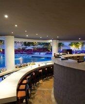 Bar de la piscine Hôtel Krystal Grand Punta Cancún Cancún