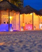 Dîner romantique sur la plage Hôtel Krystal Grand Punta Cancún Cancún